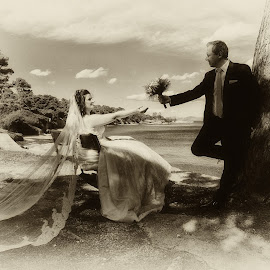 by Makis Aliferis - Wedding Bride & Groom
