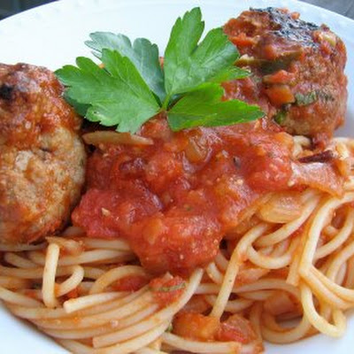 Turkey Meatballs with Quick And Spicy Tomato Sauce