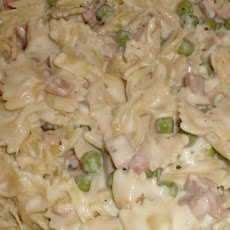 Bow Ties Alfredo With Ham and Peas (Or Broccoli)