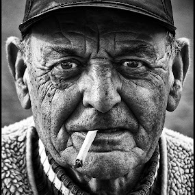 Groene Michel by Etienne Chalmet - Black & White Portraits & People ( black and white, street, men, people, portrait,  )