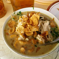 Soto Ayam (Indonesian Clear Chicken Soup)