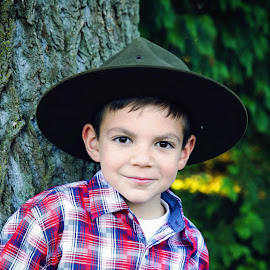 Scout by Sharon Fuscellaro Canale - Babies & Children Child Portraits ( child, scout, tree, plaid, boy )