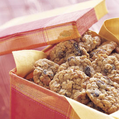 Oatmeal Cookies with Raisins, Dates, and Walnuts