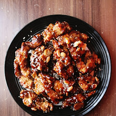 Making Dak-Kang-Jung (닭강정) / Korean Crispy Chicken with Sweet & Spicy Sauce