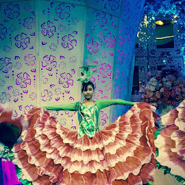 #LatePost #Dancer #Wedding 30/11/2014 by Yosua Ardian - People Musicians & Entertainers