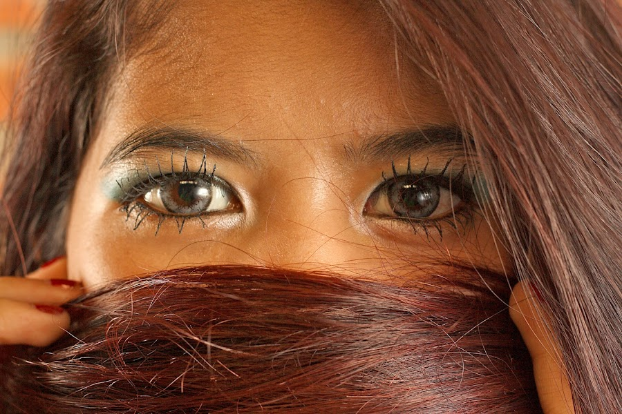 the eyes by Rully Kustiwa - People Portraits of Women ( look, girl, female, makeup, hair, eyes,  )