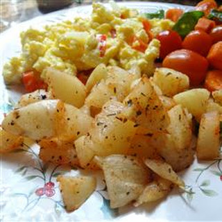 Spicy Potatoes and Scrambled Eggs