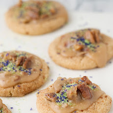 King Cake Cookies with Praline Pecan