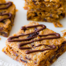 Healthy Peanut Butter Chunk Oatmeal Bars