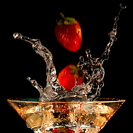 S2 by Dietmar Kuhn - Food & Drink Alcohol & Drinks ( abstract, water, splash, glass, shutterholic,  )