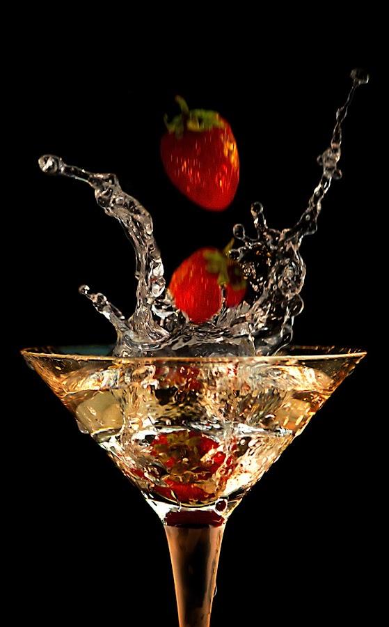 S2 by Dietmar Kuhn - Food & Drink Alcohol & Drinks ( abstract, water, splash, glass, shutterholic,  )