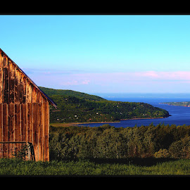 Charlevoix, Canada, Québec by Rob Taylor - Backgrounds Nature ( city canada, saint lawrence, island )