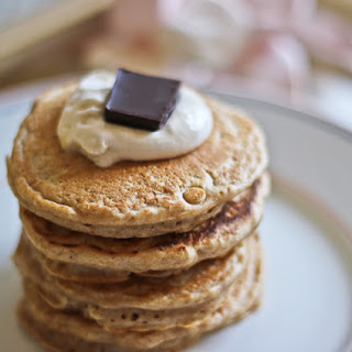 Healthy graham cracker pancakes | Low fat smores pancake