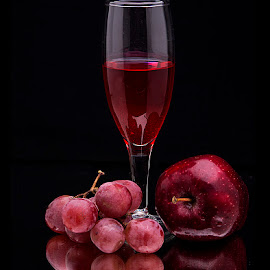 REDS by Rakesh Syal - Food & Drink Alcohol & Drinks (  )