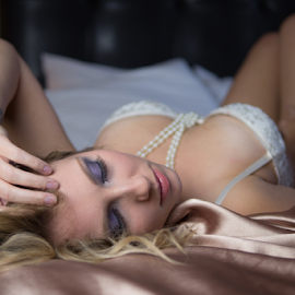 Valentines Boudoir by Dirk Dreyer - Nudes & Boudoir Boudoir ( model, gh4, indoor, boudoir, micro four thirds, mirrorless, portrait, glamour, m43, girl, female, lumix, m43ftw, lady, panasonic, captiol city shooters )
