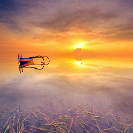 lonely in the horizon by Noret Nusanjaya - Landscapes Sunsets & Sunrises ( bali, sunrise, beach, boat )