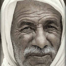 by OMAR GHALEIW - People Portraits of Men