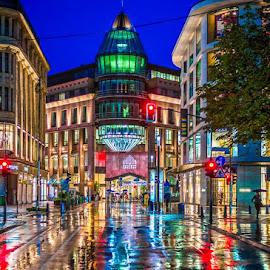 Regen ist nicht nur schlecht by Michael Rutta - Buildings & Architecture Public & Historical