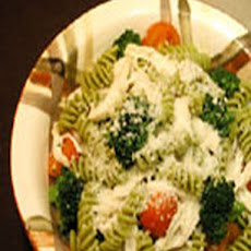 Chicken, Broccoli, and Cherry Tomato Fusilli