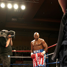 Oliver McCall boxing in Las Vegas. by Stephen Jones - Sports & Fitness Boxing