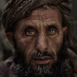Abu Sabaya by Leyon Albeza - People Portraits of Men ( urban, street, portrait )