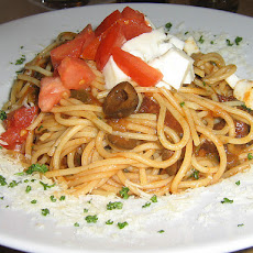 Greek Spaghetti with Tomatoes and Feta