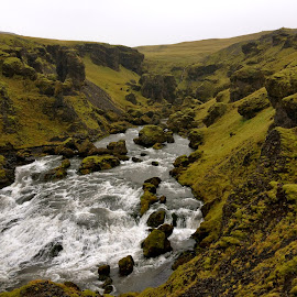 Waterfall inland of Skogafoss by Tyrell Heaton - Instagram & Mobile iPhone ( iphone )