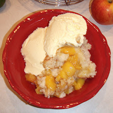 Copycat Hardees Peach Cobbler