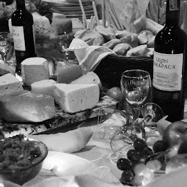 EN LA MESA by Samantha Pinero - Food & Drink Meats & Cheeses ( wine, glass, cheese )