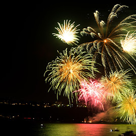 Fireworks on St-Lawrence river by Étienne Pouliot - Abstract Fire & Fireworks ( fireworks, old quebec, saint lawrence, river )