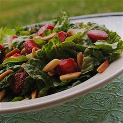 Nutty Fresh Strawberry Salad