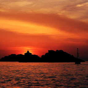 Lighthouse in the night  by Mirjana  Bocina - Landscapes Sunsets & Sunrises ( .more, orange, dubrovnik, grebeni, sunset, croatia, lighthouse, sea, seascape, svjetionik, hrvatska, golden hour, sunrise,  )