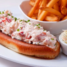 Lure Fishbar's Lobster Roll Recipe