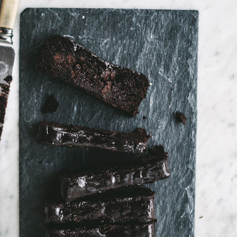 Healthy Sticky Chocolate Fudge Cake {Gluten, Dairy + Grain Free}