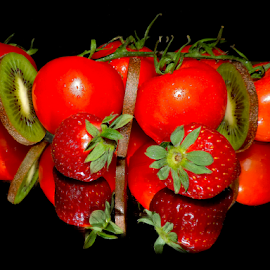 tomatoes,kiwi and strawberry by LADOCKi Elvira - Food & Drink Fruits & Vegetables ( fruits )