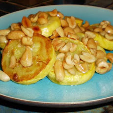 Yellow Squash With Peanuts
