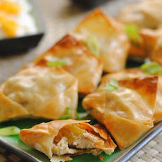 Jerk Chicken Rangoons