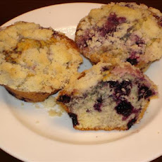 Delicious Blueberry Muffins With Crumb Topping