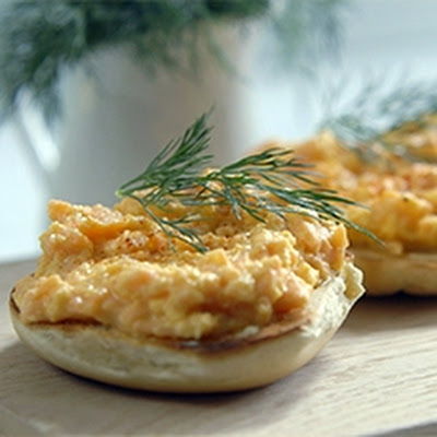 Scrambled Eggs with Smoked Salmon on Crisp Toasted Bagels