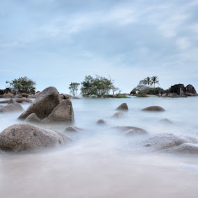 Weekend Pulau Kelapa II Temajuk by Eris Suhendra - Landscapes Waterscapes (  )