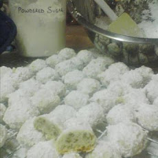 Pecan Puffs (Aka Mexican Wedding Cakes or Russian Tea Cakes)