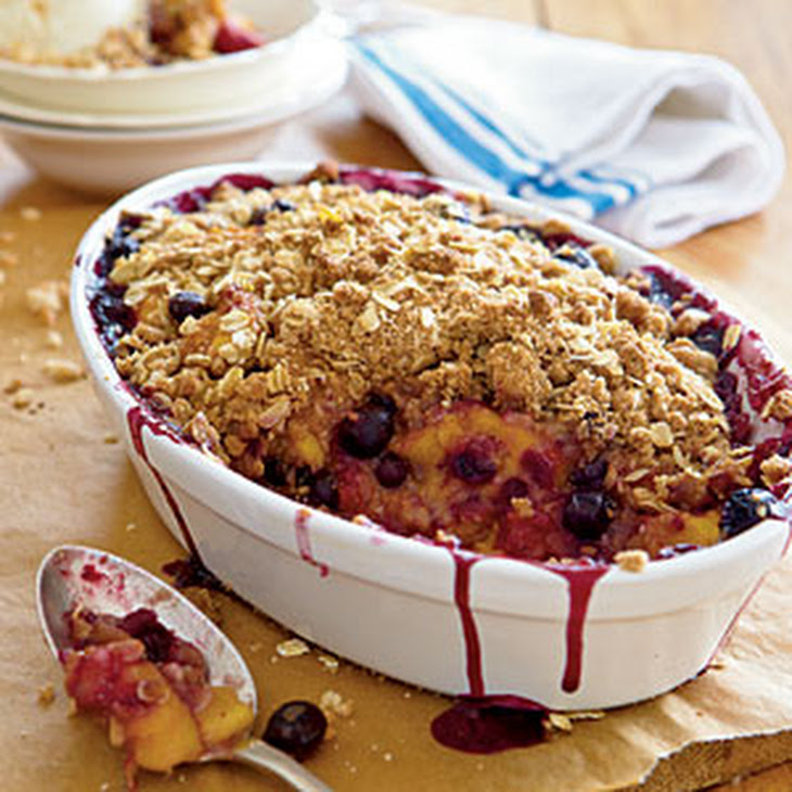 Peach-and-Blueberry Crispy Crumble Recept | Yummly
