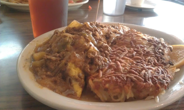 Chili Dog Omelet & Hash Browns!