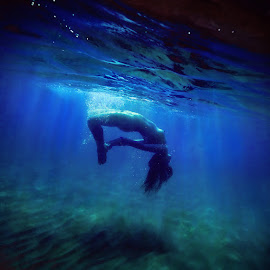 Great blue. by Dmitry Laudin - Nudes & Boudoir Artistic Nude ( swim nude, girl, underwater, sea )