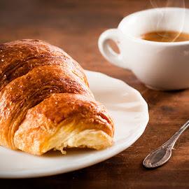 Cornetto e caffè by Michela Leonetti - Food & Drink Cooking & Baking ( #breakfast #brioche #caffè #cornetto #italy #michela leonetti )