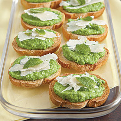 Bruschetta with Minted Pea Puree