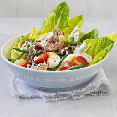 Healthy salad Niçoise