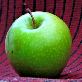 Green apple by Yusop Sulaiman - Food & Drink Fruits & Vegetables