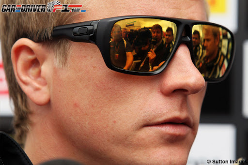 Kimi Räikkönen OAKLEY DISPATCH SHAUN WHITE EDITION sunglasses