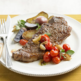 Pan-Fried Garlic Steak and Potatoes